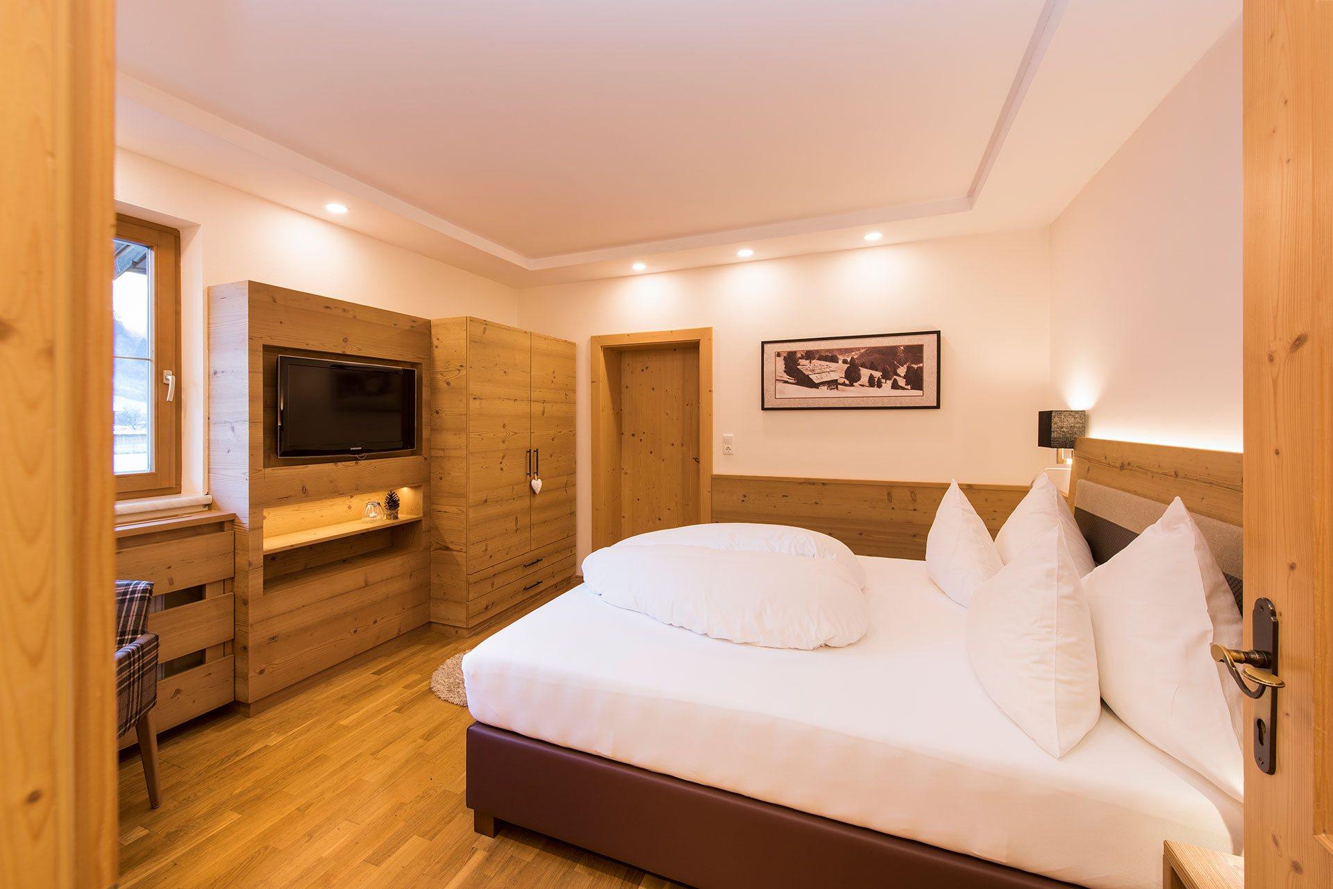 Hotel brunnenhof willkommen zimmer hotel brunnenhof in for Zimmer hotel